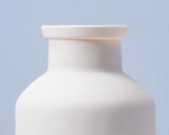 Detail-glass-bottle-UV-varnished-with-mask-Case-study-Indeco-Serigrafia2